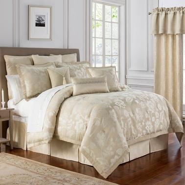 Marquis by Waterford Emilia Comforter Set
