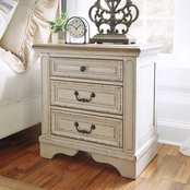 Signature Design by Ashley Realyn 3 Drawer Nightstand