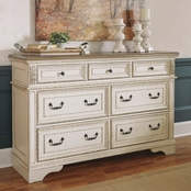 Signature Design by Ashley Realyn 7 Drawer Dresser