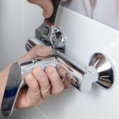 Handy Replacing Faucet Service