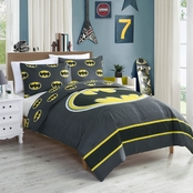 DC Comics Superhero Comforter with Batman Emblem