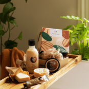 The Body Shop Nourishing Shea Little Gift Box