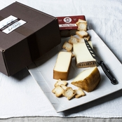 The Gourmet Market Riesling Cheese Assortment Gift Box