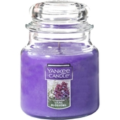 Yankee Candle Lilac Blossoms Medium Classic Jar Candle