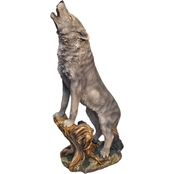 Design Toscano Howling Lone Wolf Statue