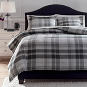 Signature Design by Ashley Danail Duvet Cover Set
