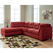Benchcraft Maier 2 Pc. Sectional RAF Full Sofa Sleeper/LAF Corner Chaise