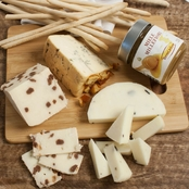 The Gourmet Market Exquisite Italian Cheese Board Gift Set