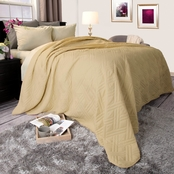 Lavish Home Solid Color Bed Quilt