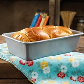 Pioneer Woman Timeless Floral 5.4 x 9.1 x 2.7 in. Loaf Pan, Metal