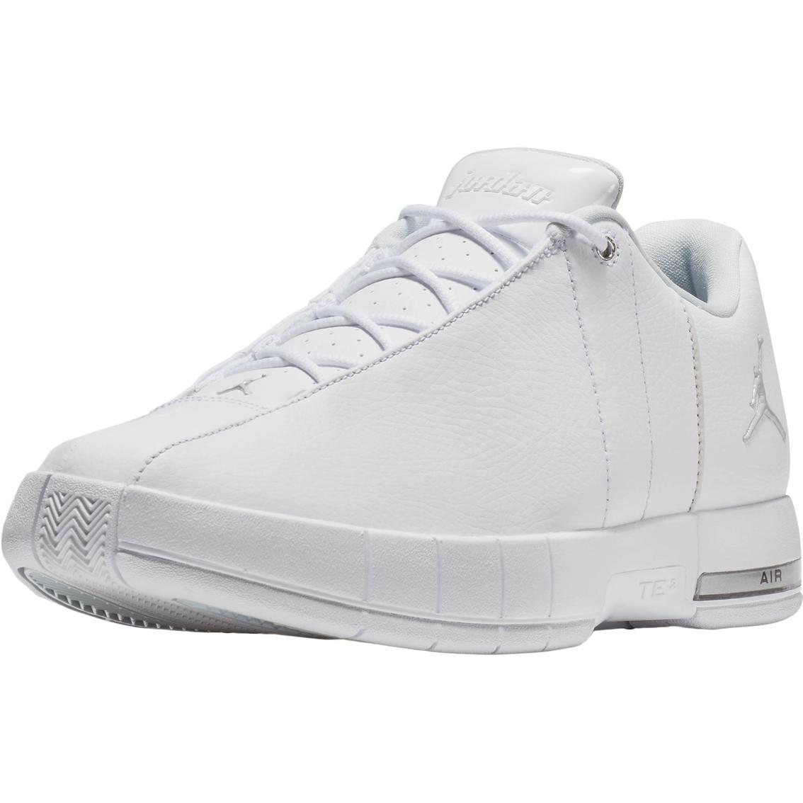 Jordan Men s Team Elite 2 Low Basketball Shoes  9ef8c5730