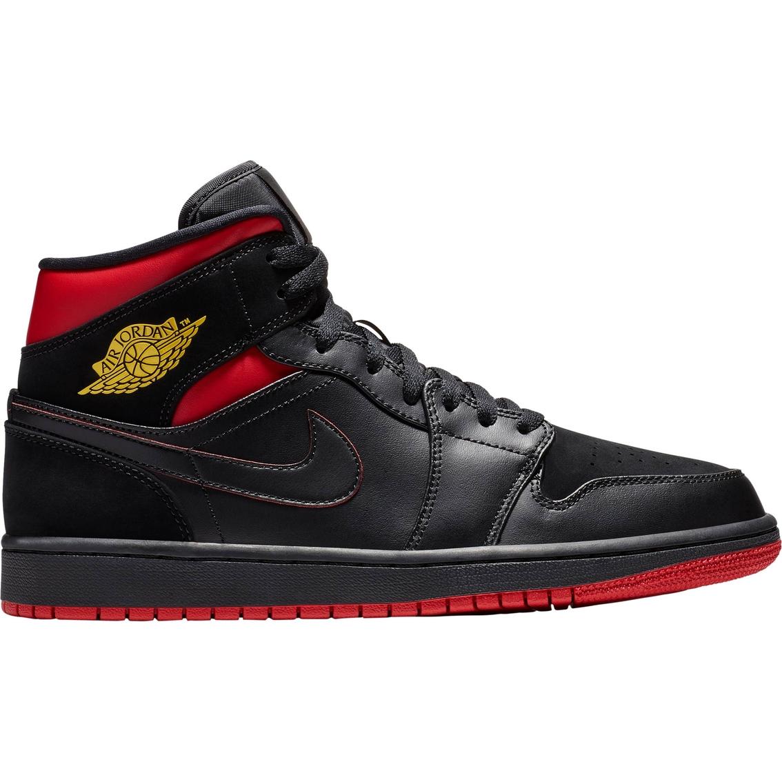 Jordan Men s Air Jordan 1 Mid Basketball Shoes  151623aa9