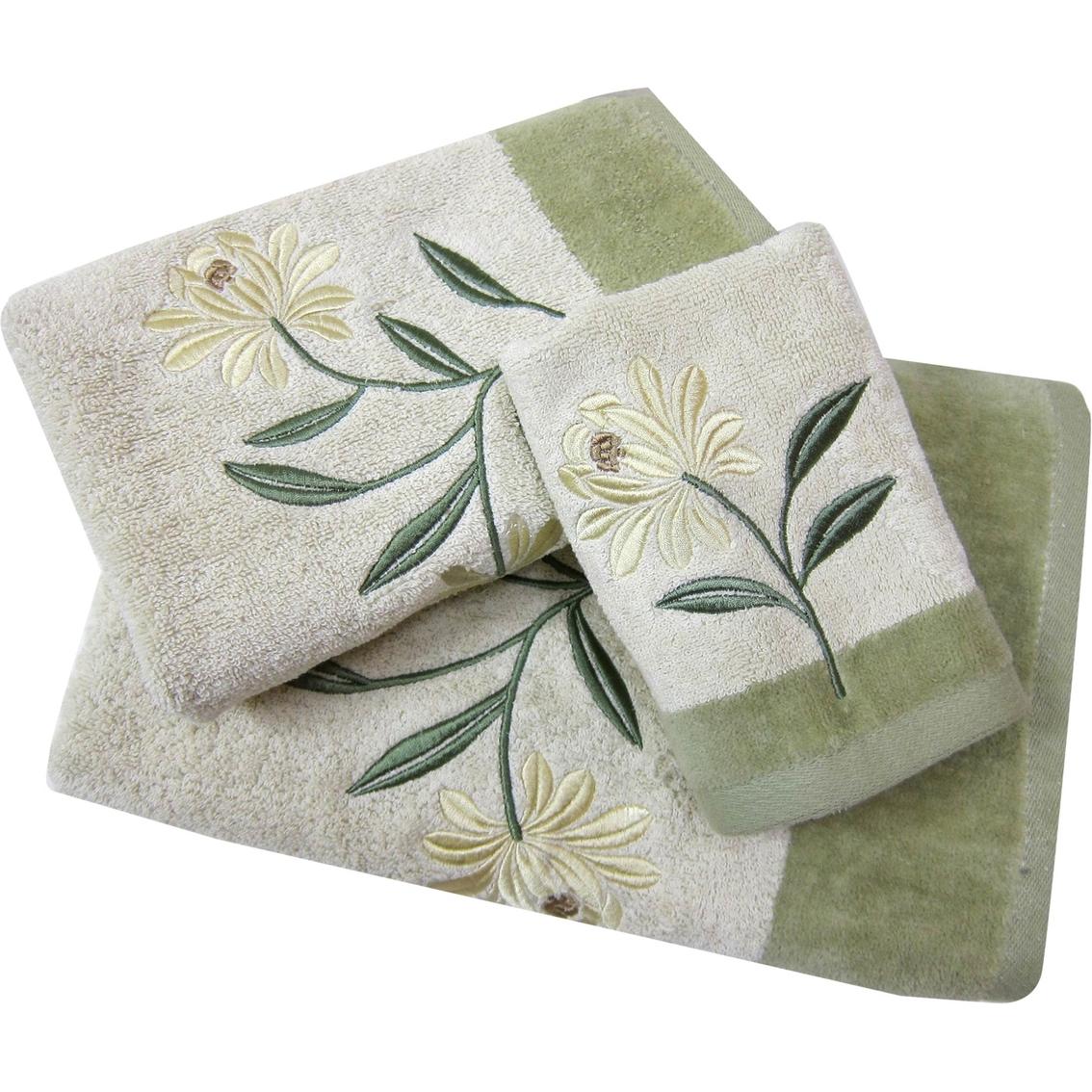 Croscill Penelope Hand Towel | Bath Towels | Home & Appliances ...