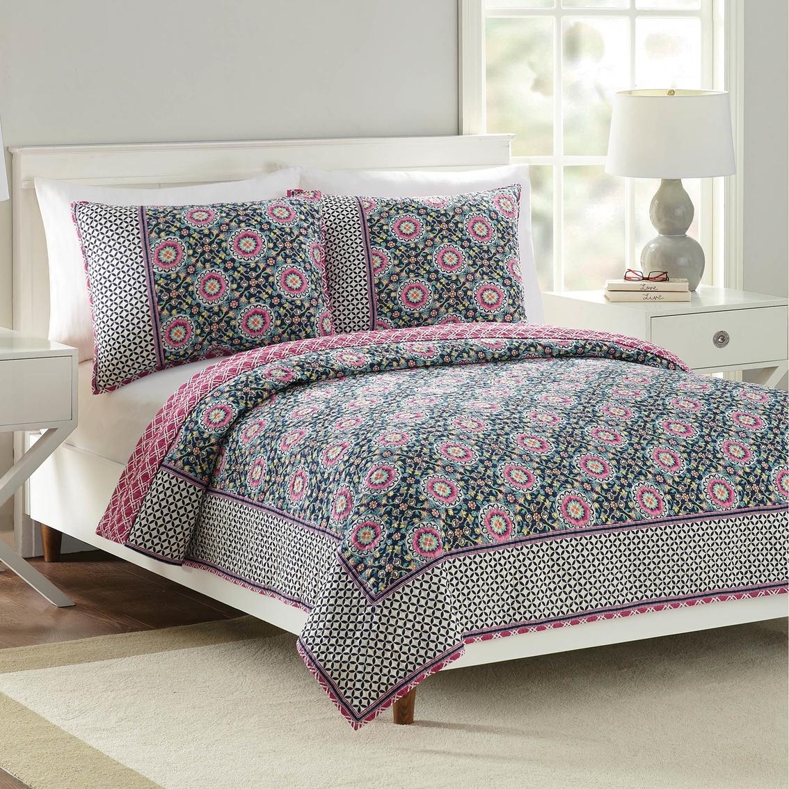 Vera Bradley Floral Medallion Quilt Bedspreads Amp Quilts