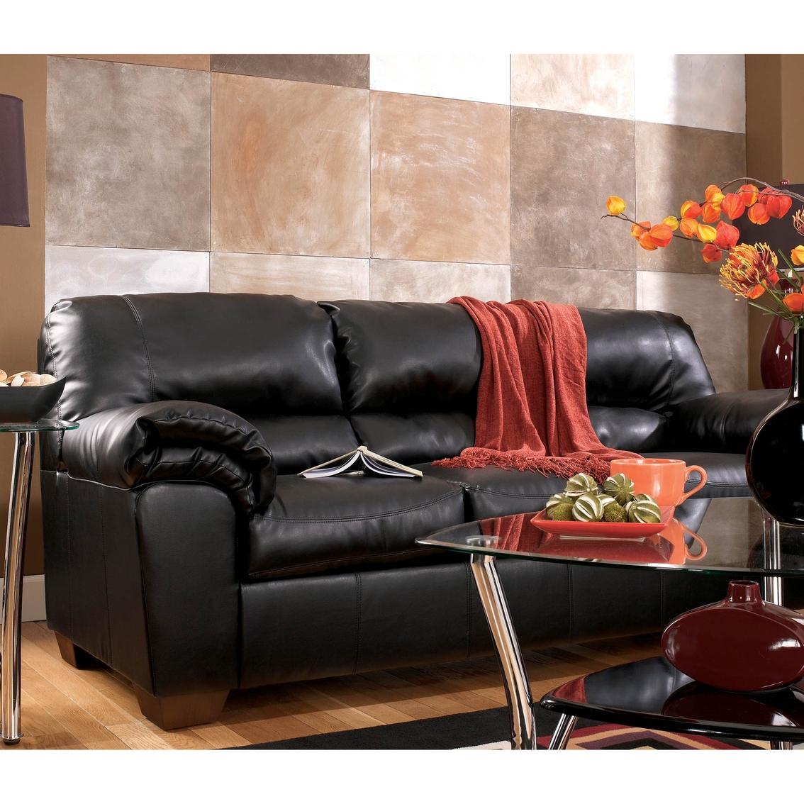 commando sofa