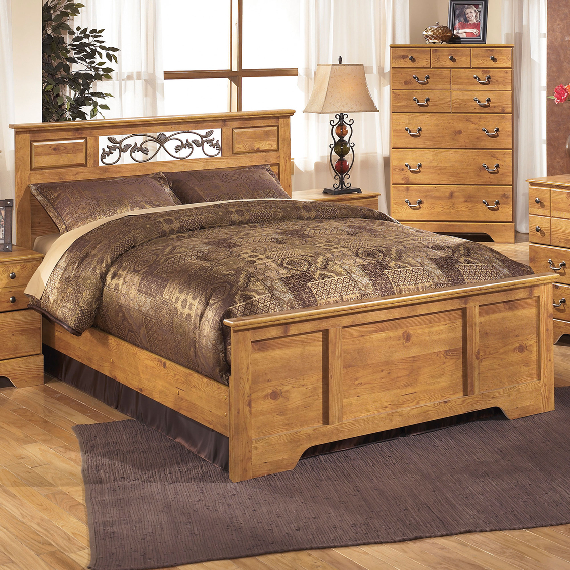 Signature Design By Ashley Bittersweet Queen Panel Bed