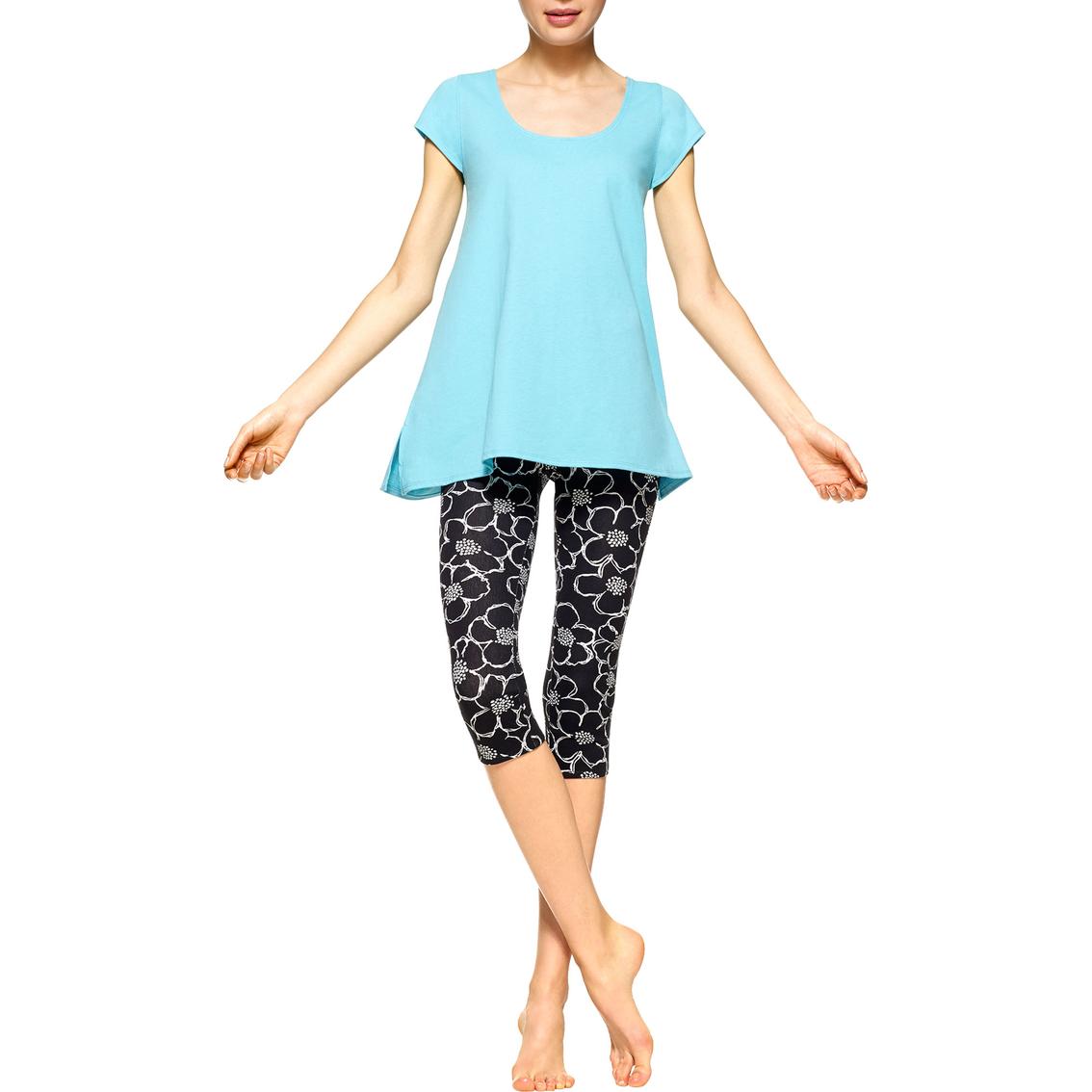 Hue Plus Size Sleepwear Floral Capri Legging Pajama Set