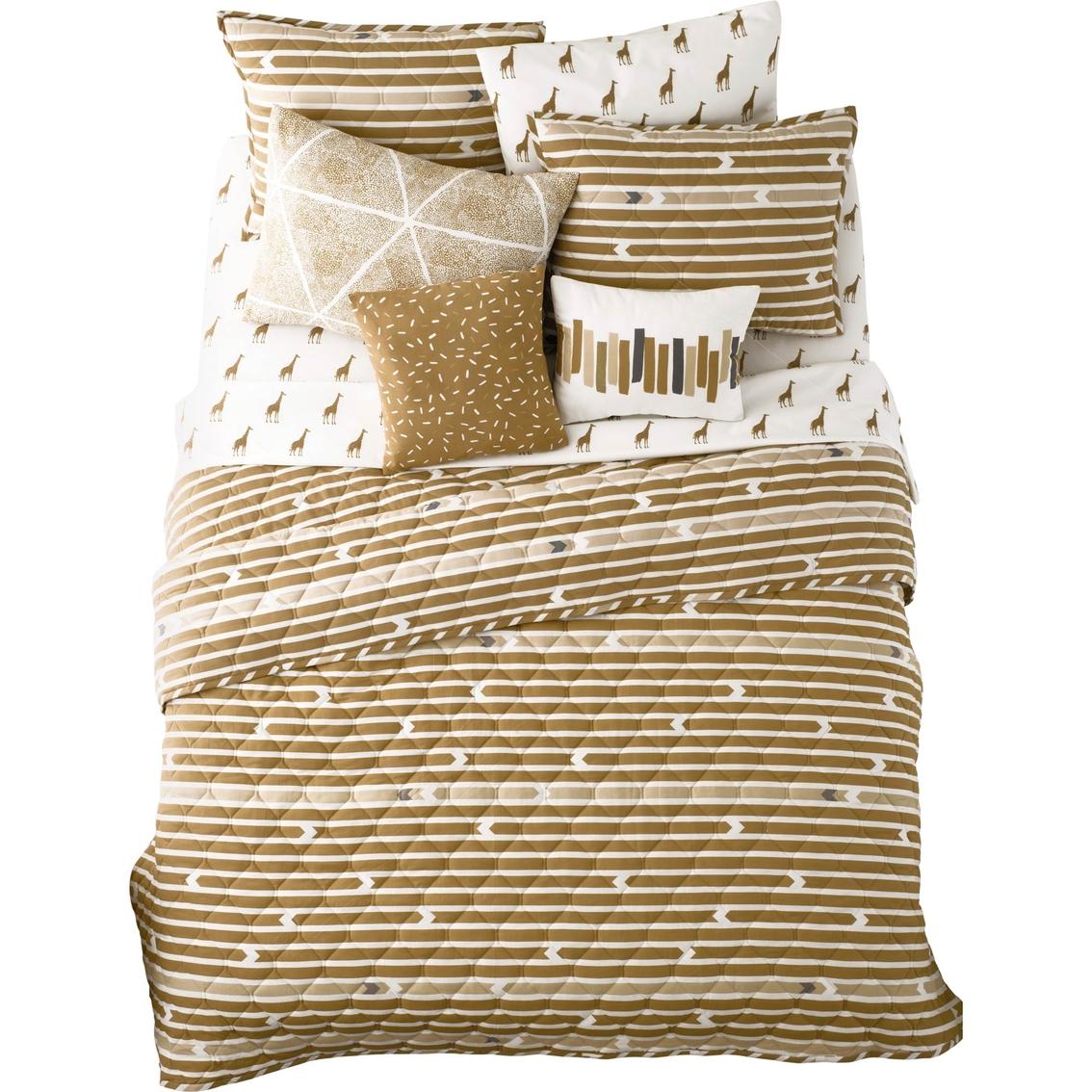 Martha Stewart Boot Tray Martha Stewart Collection Whim Straight Arrow Quilt Bedspreads