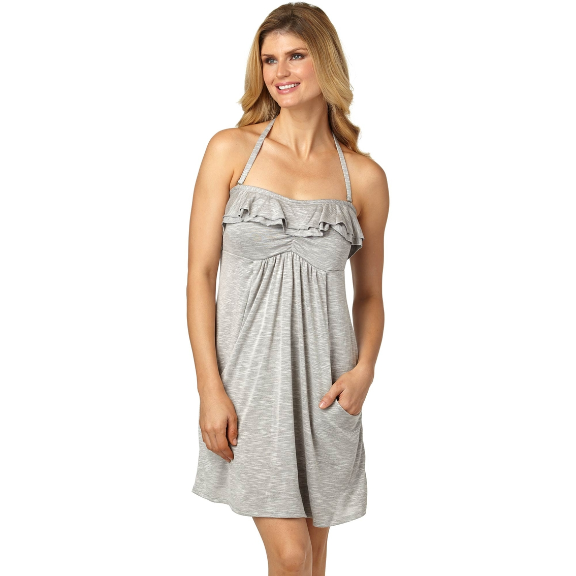 Strapless necklines are eternally flattering, so this cover up will look gorgeous worn over your bikini. It's decorated with shirring detail around the neckline and crafted in .