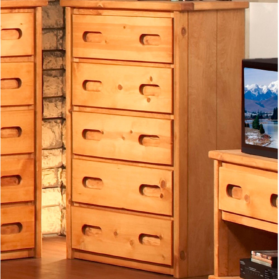Chelsea home furniture 5 drawer chest dressers chests for Hometown furniture exchange