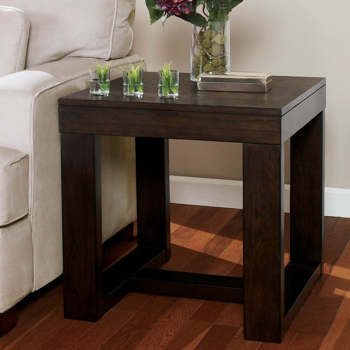 Signature Designs By Ashley Rollins Square End Table: Signature Design By Ashley Watson Square End Table