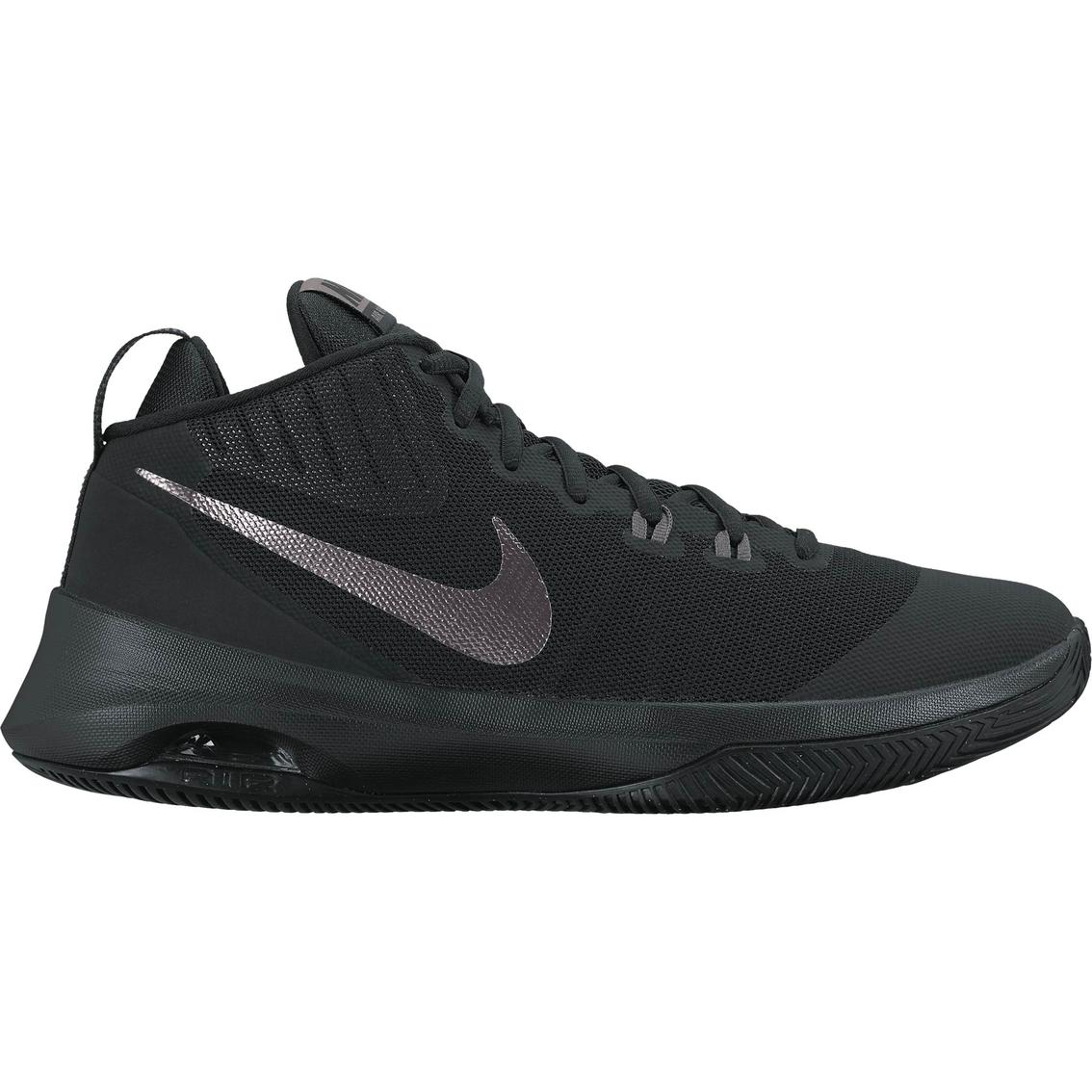 Nike Men s Air Versatile Nubuck Basketball Shoes  9bf32d54b342