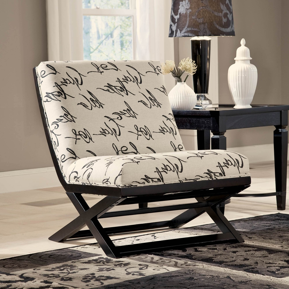 Excellent Signature Design By Ashley Levon Showood Accent Chair Download Free Architecture Designs Scobabritishbridgeorg