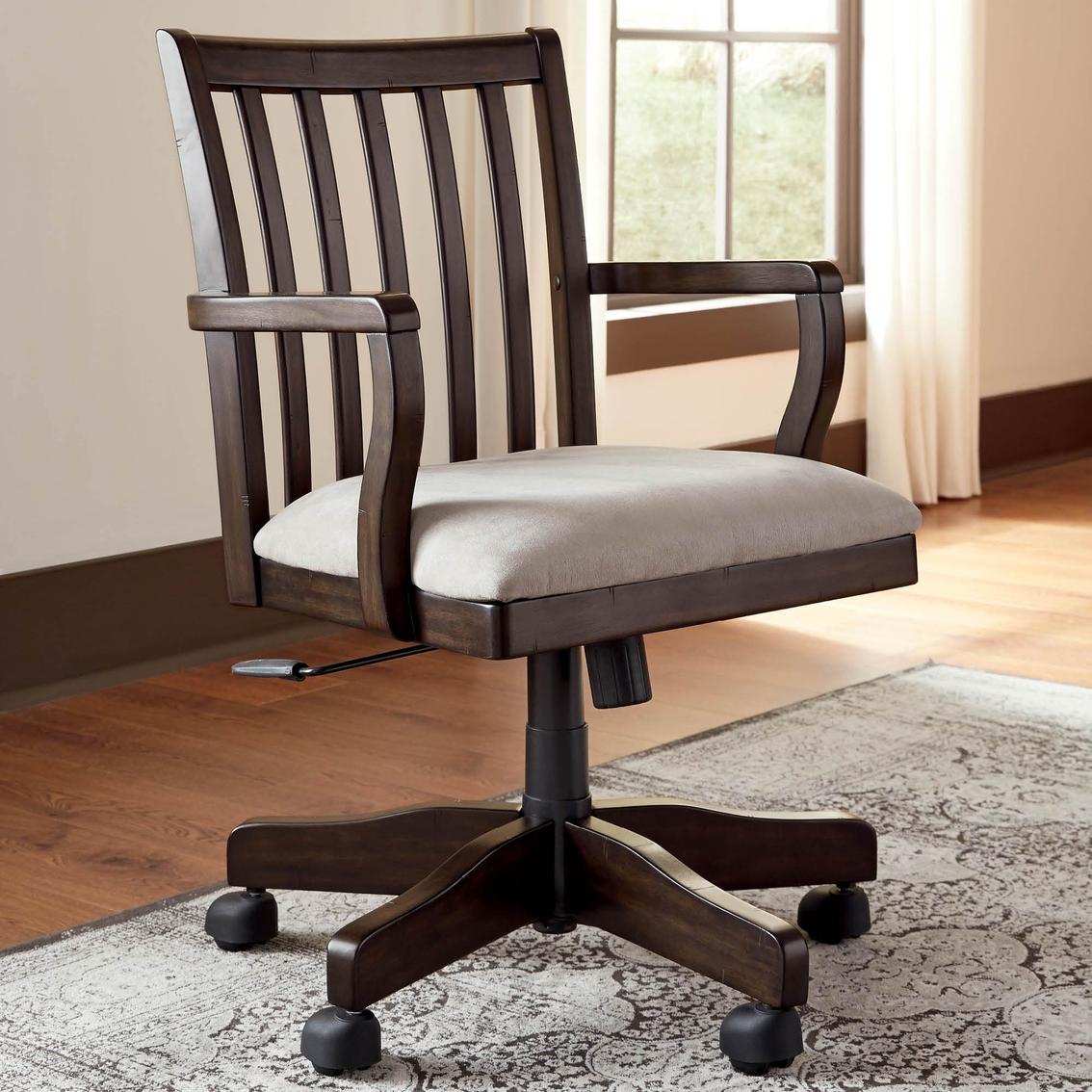 Ashley Townser Swivel Chair