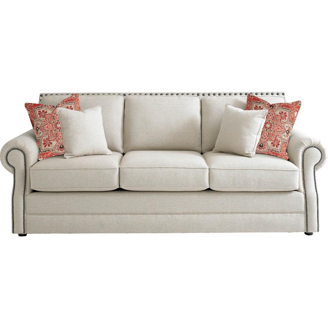 Bassett Couch: Home & Appliances