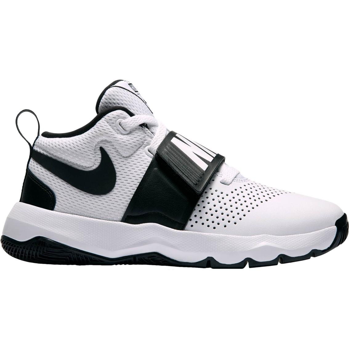 separation shoes 03f3b fc8f2 Nike Grade School Boys Team Hustle D 8 Basketball Shoes