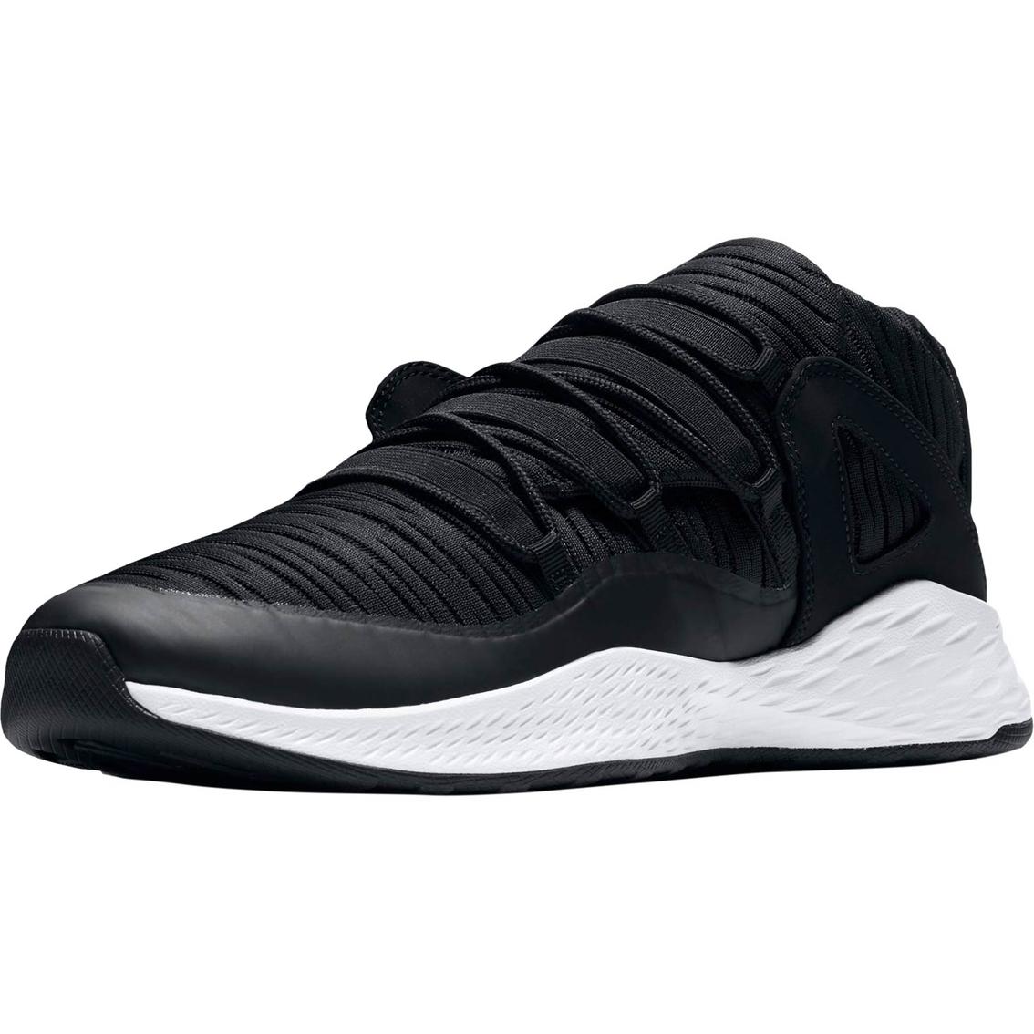 best service 61546 4d4ce Jordan Men s Formula 23 Low Shoes