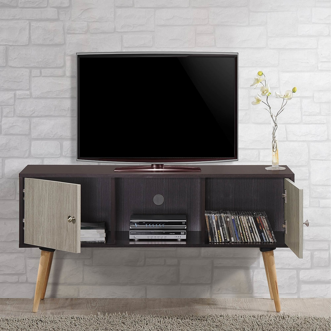 Hodedah retro style entertainment cabinet media for Hometown furniture exchange