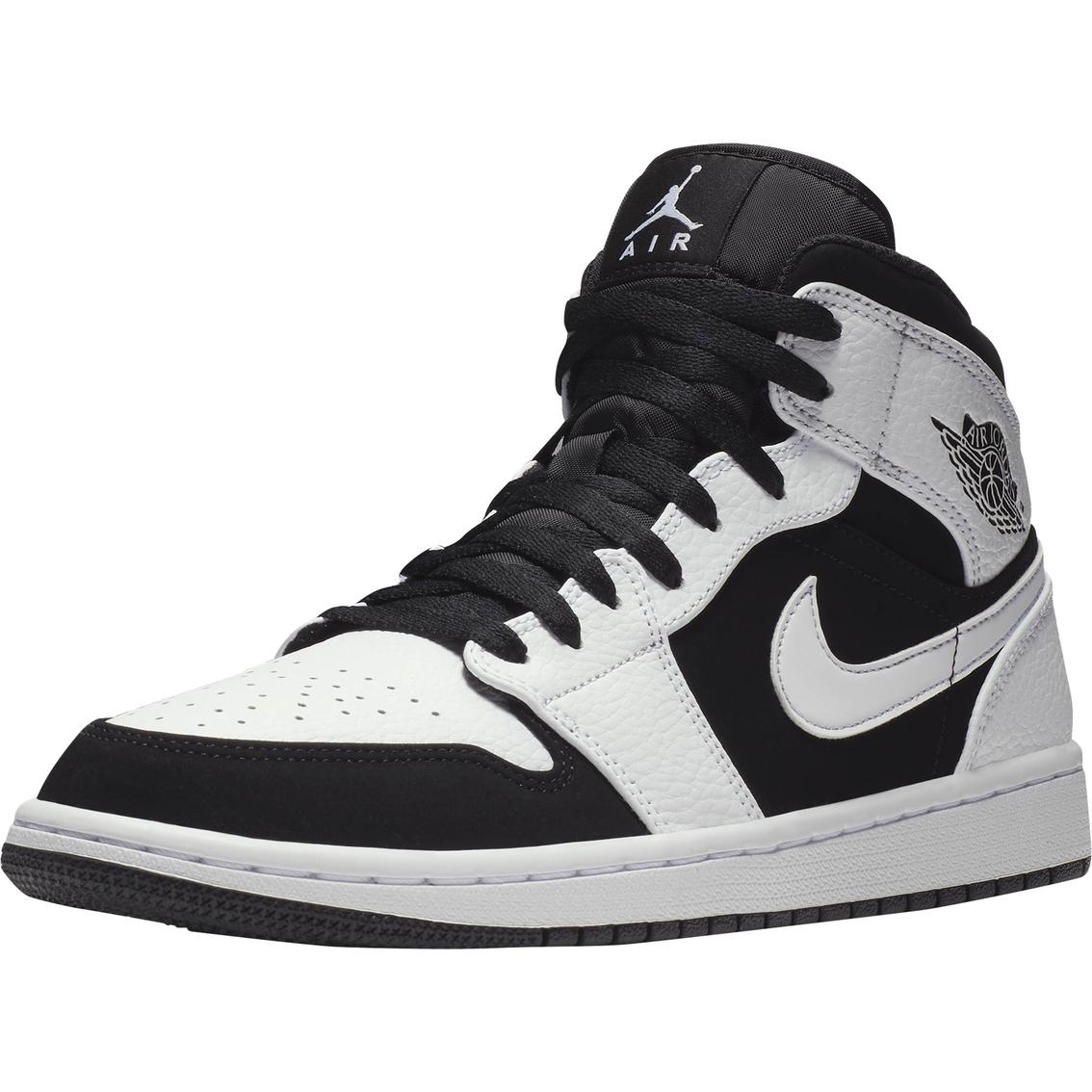 f0ef9afcd279 Jordan Men s Air Jordan 1 Mid Shoes
