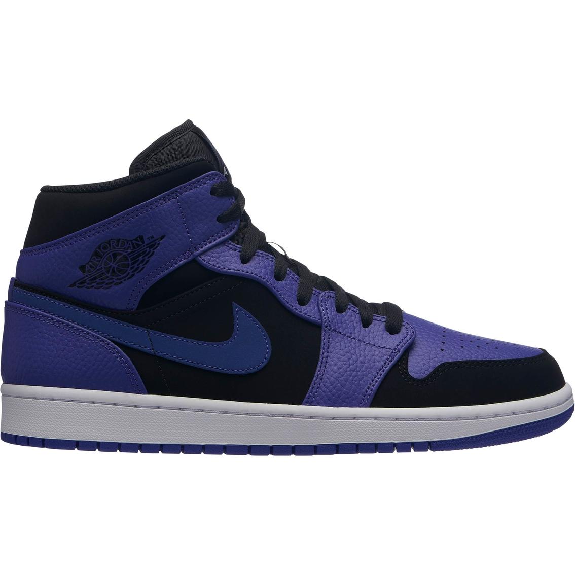5abe7a5a0b0b Jordan Men s Air Jordan 1 Mid Shoes