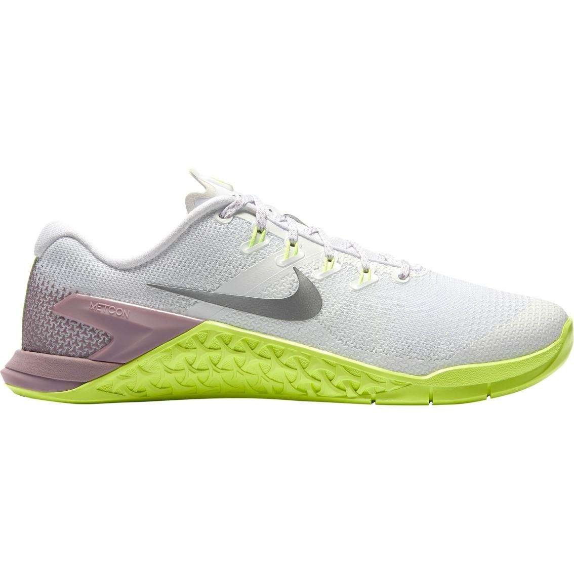 b82d0b71a10c Nike Women s Metcon 4 Cross Training Weightlifting Shoes